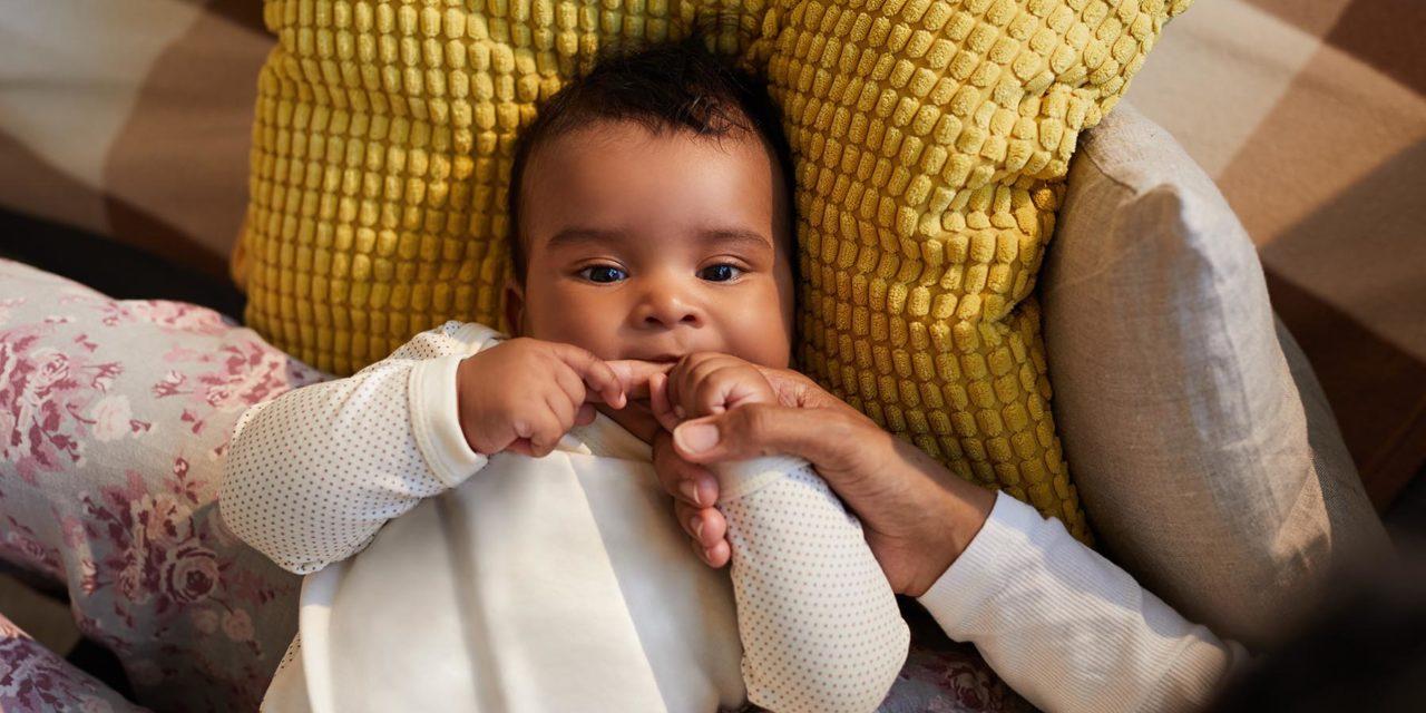 Teething: Oh boy, my baby bit me!